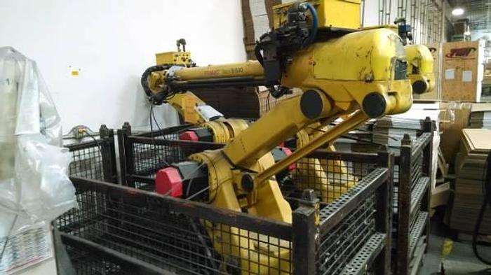 Used FANUC S-500 Robots