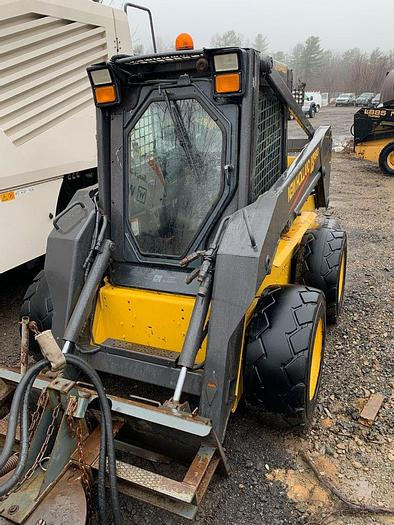 Used 2002 NEW HOLLAND LS180