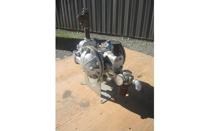 "USED DIAPHRAGM PUMP, 1"" X 1"" INLET & OUTLET, STAINLESS STEEL"
