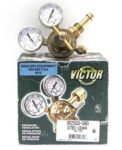Used Victor SR250D-580 0781-0044 Pressure Regulator, CGA 580 Inert Gas (8818)W