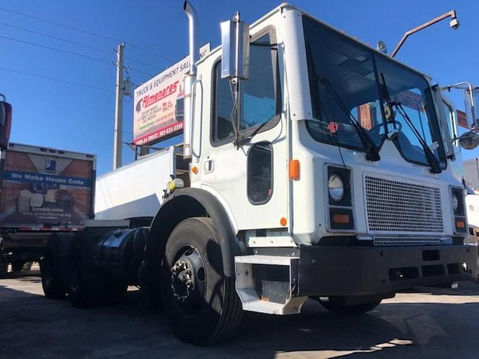 Used 1999 MACK MR688S DAYCAB TRUCK