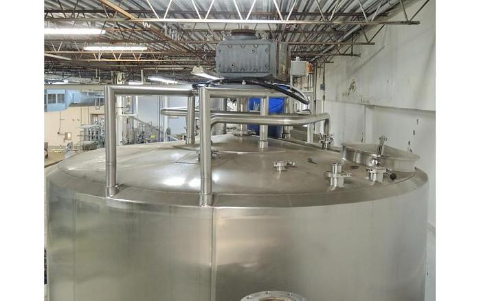 USED 2600 GALLON JACKETED TANK, STAINLESS STEEL, SWEEPER MIXER