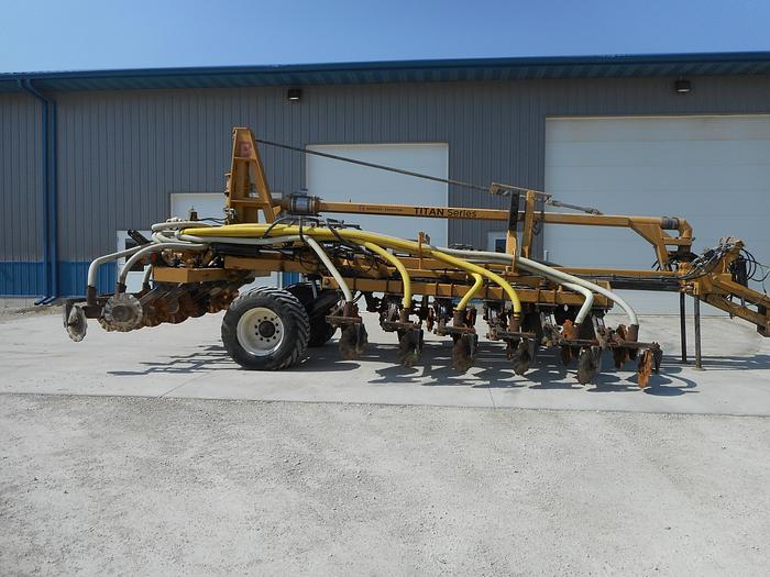 Used 2015 BAZOOKA FARMSTAR T182436CT