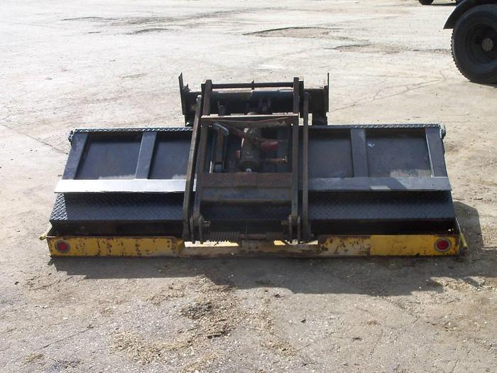 Used 2000 Tommy Lift-Gate- Stock #: 0073