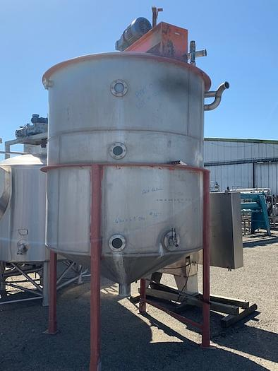 Fran Rica 1200 Gallon Vertical Agitated Stainless Steel Tank