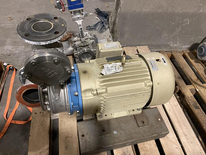 Used GOULDS WATER TECHNOLOGY G&L SERIES SSH 2.5 X 3 - 8 PUMP