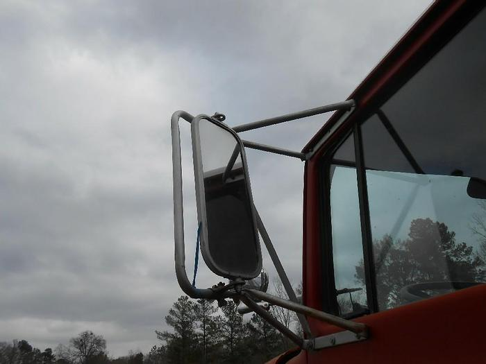 1977 FORD CL8000