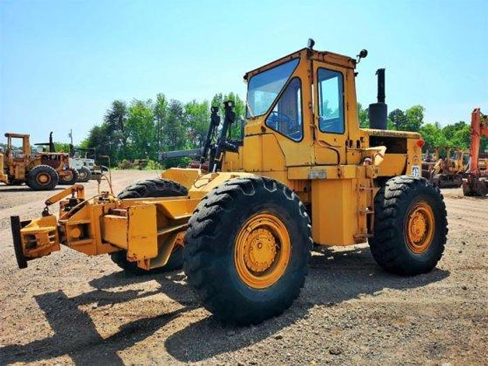 Used 1972 CATERPILLAR 814