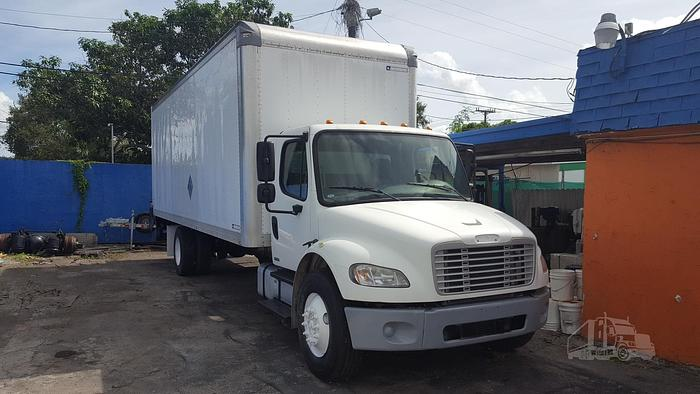 2009 FREIGHTLINER BUSINESS CLASS M2 106 BOX TRUCK