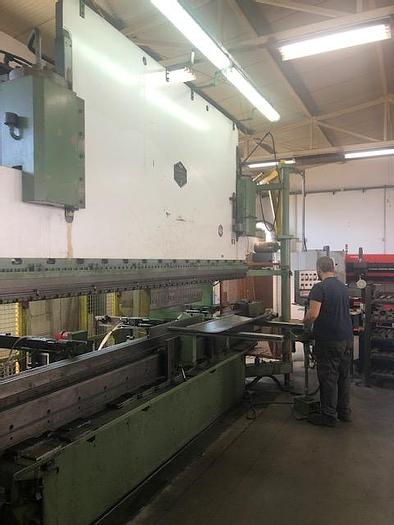 Used 1981 Bystronic Hammerle AP CNC 200 SID (4M/200T)