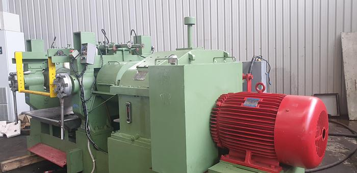 Used 1990 Yi-Tzung (Taiwan) 36in wide x 14in diameter Two Roll Mill