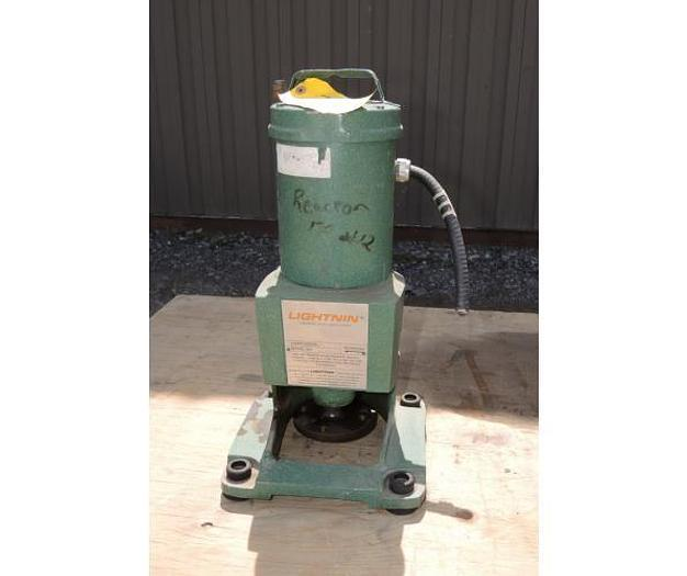 Used USED LIGHTNIN TOP ENTRY MIXER, MODEL XJQ 87, 0.75 HP