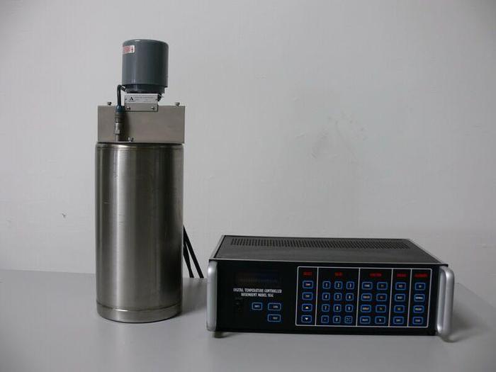 Used Rosemount Temp. Calibration Bath 910B2 W/ Digital Temperature Controller 915C1