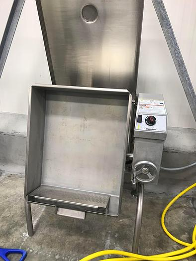 Used CLEVELAND 30 GAL. TILTING ELECTRIC BRAISING PAN SKILLET,  #SEL30T1, only @ AMERICA'S STEAM KETTLE HEADQUARTERS !