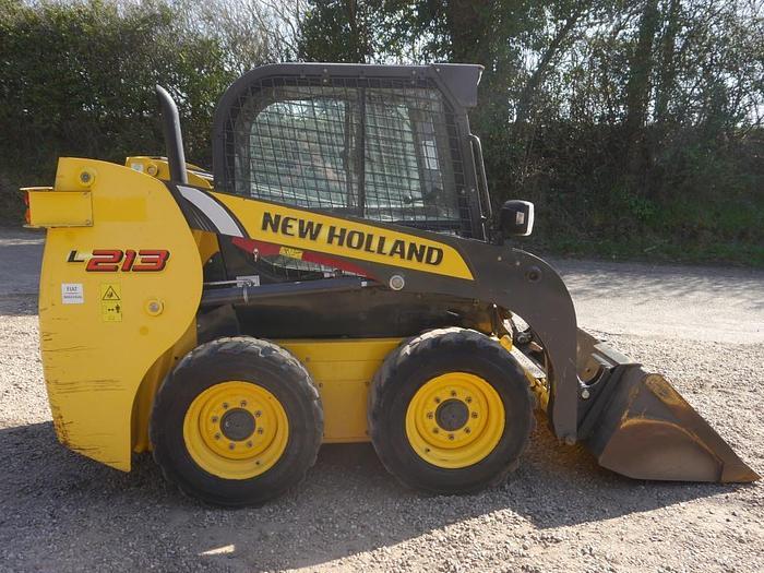 New Holland L213 Skidsteer Loader