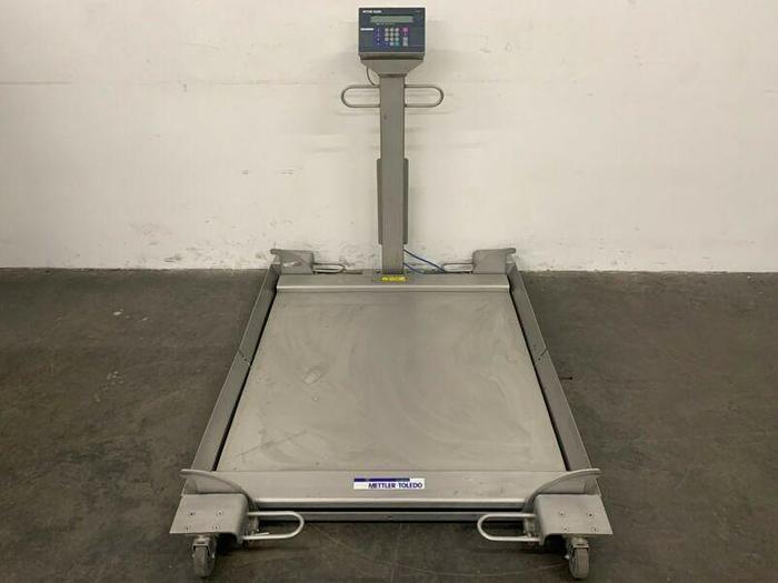 "Used Mettler Toledo 2888 Stainless Steel Floor Scale 42"" x 42"" w/ Roll up Ramps"