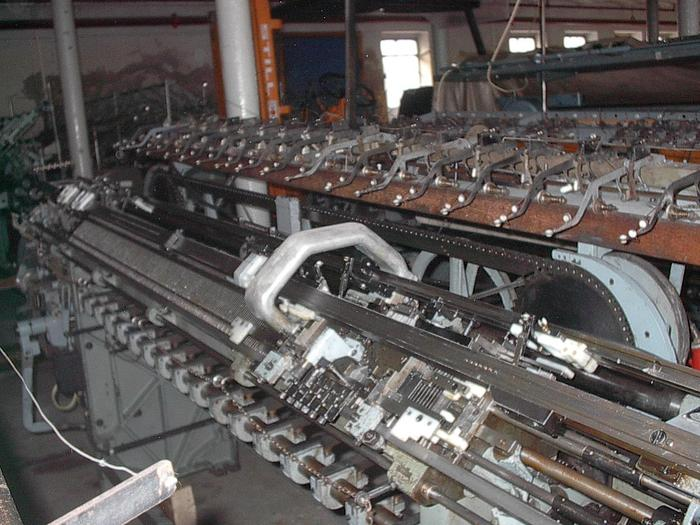 Gebraucht Flachstrickmaschine  UNIVERSAL  MC1 E10/183 cm