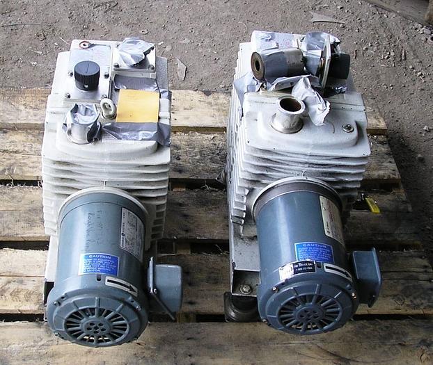 Leybold Hereaus Trivac Vacuum Pumps: D30 A