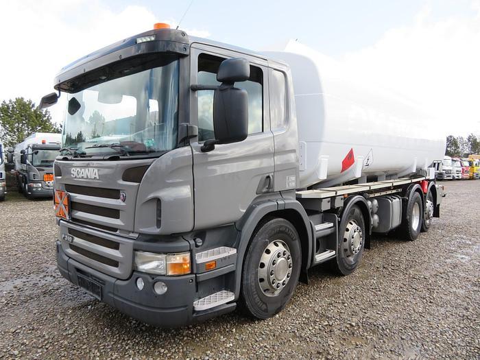 Meget god Scania P310 8X2*6 24.500 L. ADR