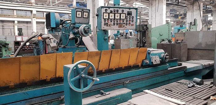 Used 1978 Cylindrical grinding machine STANKO 3M194 560x4000mm
