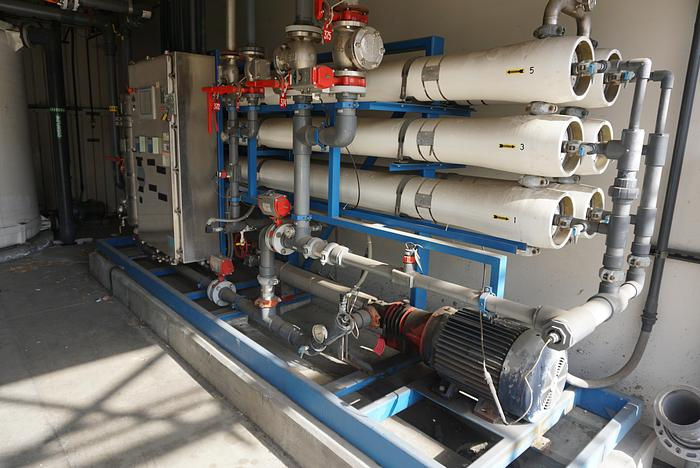 Used OSMONICS MODEL RO.100-FRP.PRR.MOD WATER PURIFICATION SYSTEM