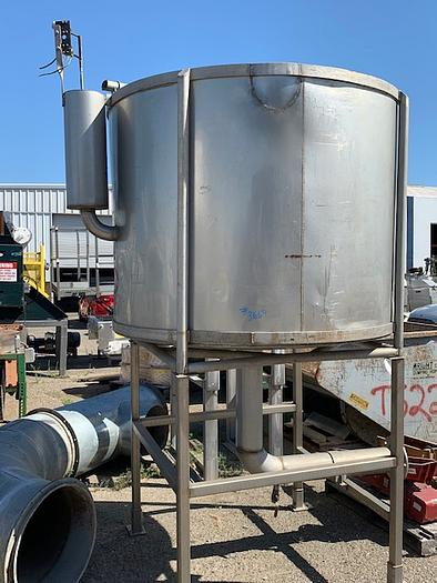 600 Gallon Vertical Stainless Steel Tank