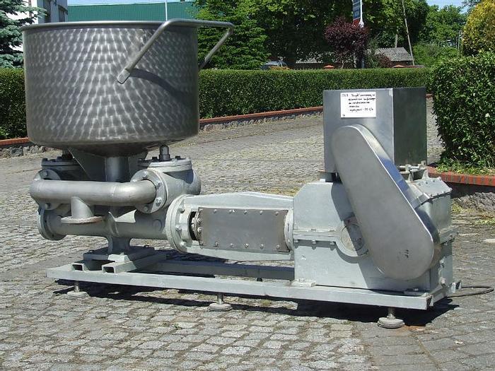 Used Pompa 1-tłokowa z otwartym zbiornikiem buforowym, wydajność do 15 t/h