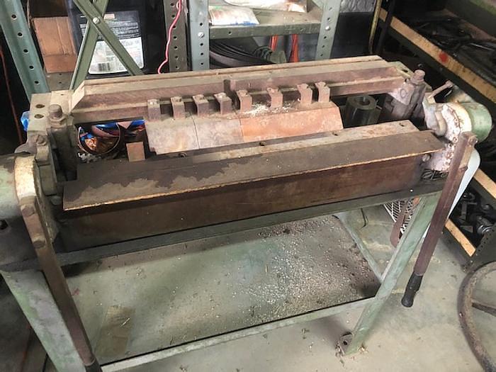 """Used 16 gauge x 2' DiAcro #24, finger brake, 16 gauge M.S., 20 gauge Stainless Steel bending capacity, 3"""" max depth"""