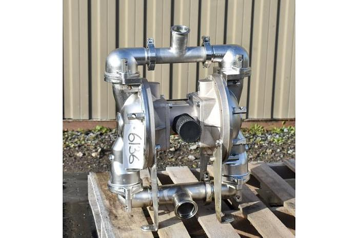 """USED DIAPHRAGM PUMP, 2.5"""" X 2"""" INLET & OUTLET, STAINLESS STEEL, SANITARY, SANDPIPER SSB2"""