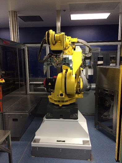 FANUC R2000iB/165F CNC 6 AXIS ROBOT WITH R30iA CONTROL WITH VISION, CAMERA, LIGHT