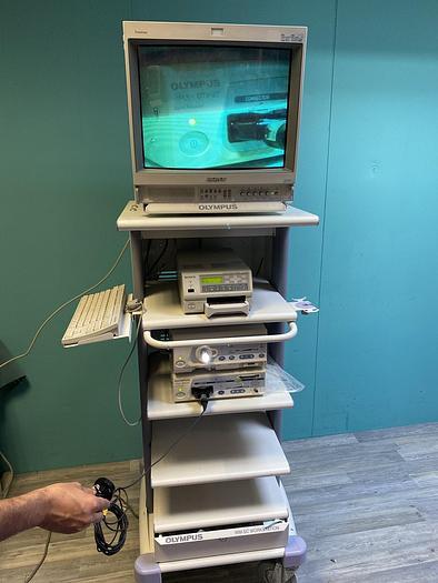 Gebraucht Olympus WM-SC Workstation mit Monitor, Tastatur, Drucker, Lichtquelle und Visera digitaler Prozessor