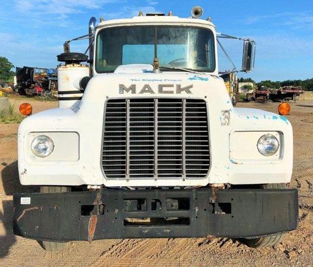 1974 MACK R600