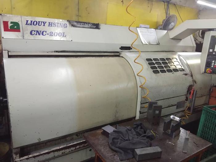 Used 2012 LIOUY HSING CNC-200L CNC LATHE MACHINE