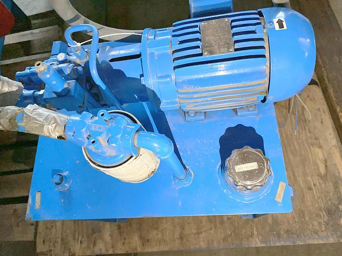 Used Nachi 1-70524-0 hydraulic piston pump,  3 1/2 GPM, 750 PSI
