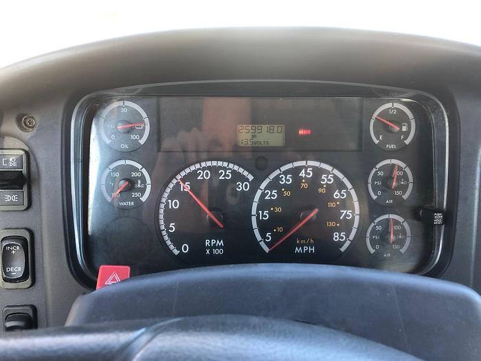 2005 FREIGHTLINER BUSINESS CLASS M2 106 LPG TANK TRUCK