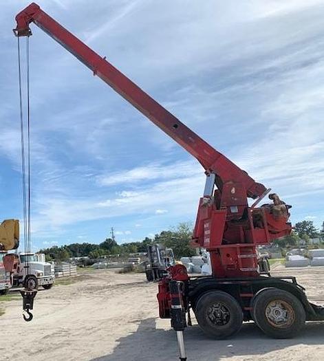 Used Devault 15 Ton Trailer Crane