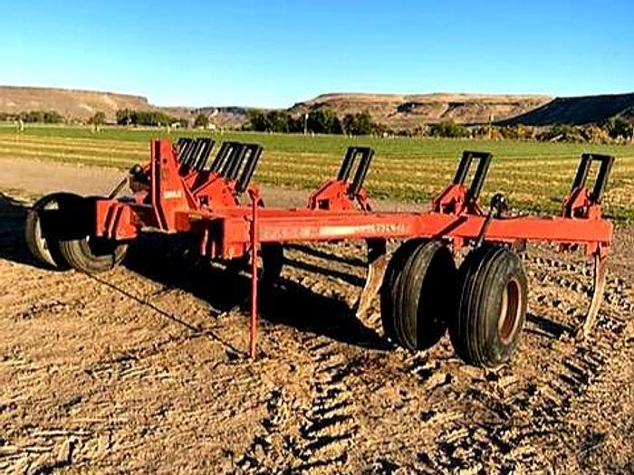 Used Case 6810 Ripper - 7 Shank