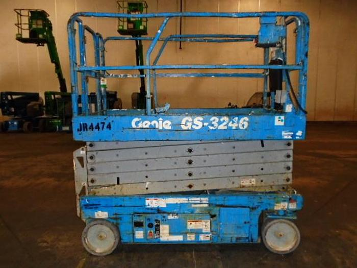Used 2012 GENIE GS-3246 2WD DC Scissor Lift
