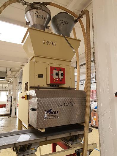 Gebraucht Nusskernschneidemaschine PEHA Type H1-04-03-600 600 mm Arbeitsbreite und 3 Schneidaggregate