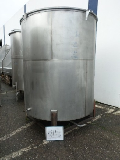 1,500 Gallon Vertical Stainless Steel Tank #3115