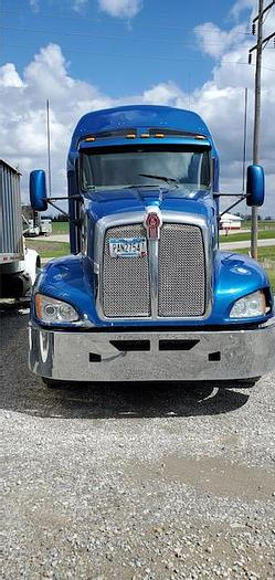 Used 2012 KENWORTH T-680 MID ROOF SLEEPER TRUCK
