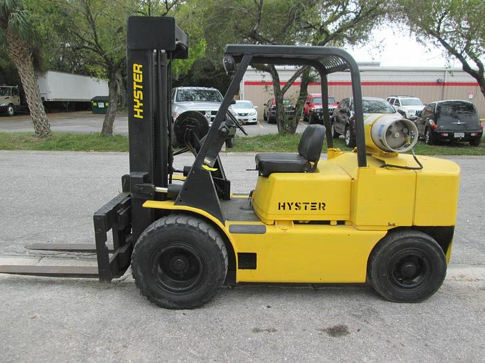 Hyster H80E 10,000 LB  Lifting Capacity Forklift