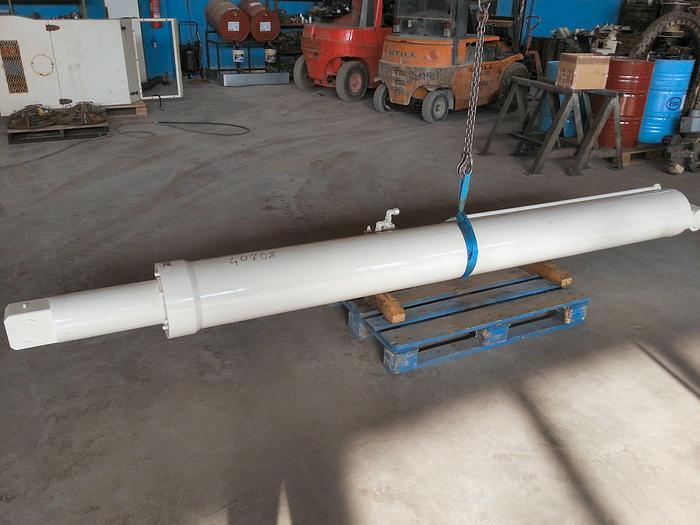 Terex RC45 Lifting Cylinder