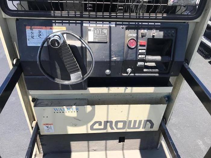 1999 Crown 30SP48TT Furniture Picker