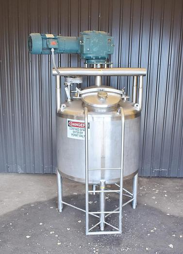 Used USED 350 GALLON APV 304 STAINLESS STEEL TANK, WITH SWEEPER STYLE MIXER