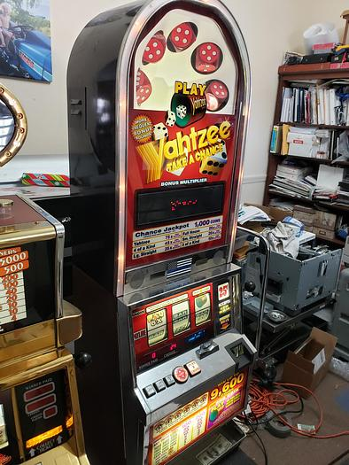 "Used Unique ""Yahtzee"" slot machine"