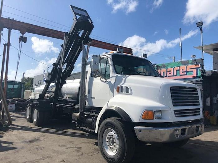 Used 1999 STERLING 9500 ROLLOFF TRUCK