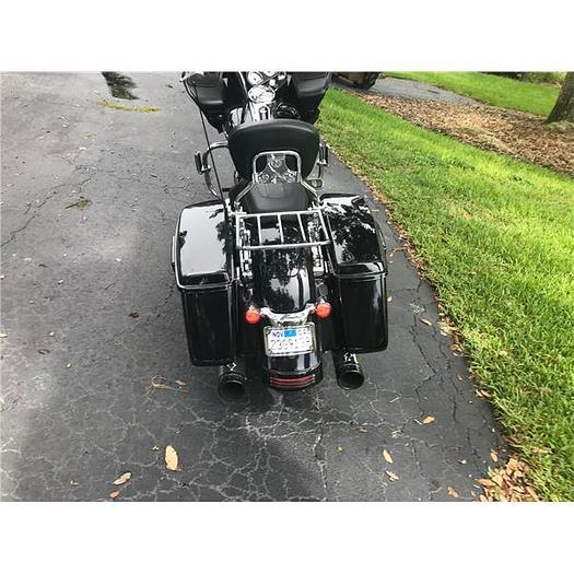 2015 Harley Davidson road glide and 3 bike trailer