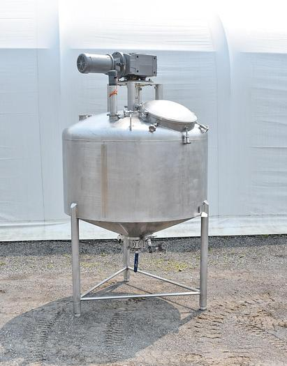 Used USED 600 GALLON 316 STAINLESS STEEL TANK, WITH SCRAPE AGITATION