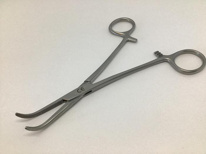 Forceps Artery Dissecting Mixter Curved 150mm (6in)